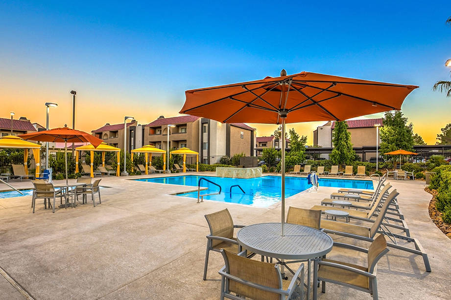 Maxx Properties announced that it acquired a 609-unit Henderson apartment complex, Villas at Gr ...