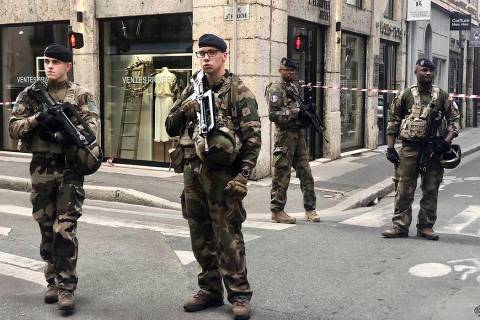 """Soldiers of French antiterrorist plan """"Vigipirate Mission"""", secure the access near th ..."""