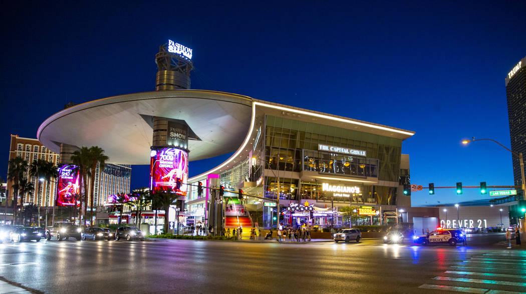 Reported gunshot at mall on Las Vegas Strip evokes memory of