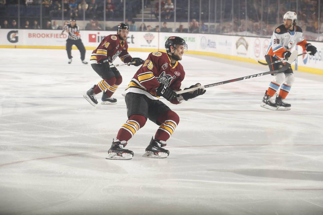 Chicago Wolves Oust Gulls Advance To Calder Cup Final Las Vegas