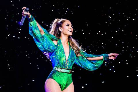 Jennifer Lopez (Denise Truscello)