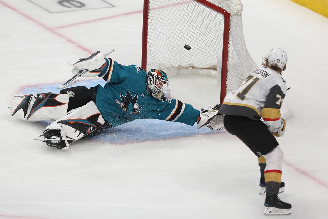 Golden Knights center William Karlsson (71) scores a short-handed goal against San Jose Sharks ...