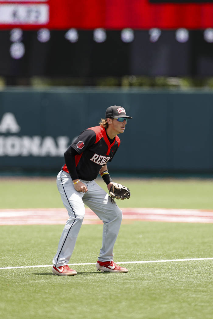 UNLV's Bryson Stott (10) in position during an UNLV at University of Houston NCAA college baseb ...