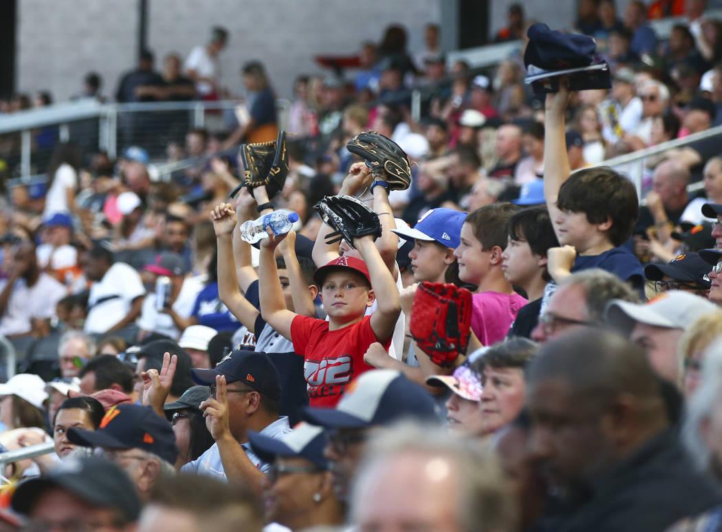 "Las Vegas Aviators fans cheer as the team plays against Round Rock Express in ""Reyes de Pl ..."