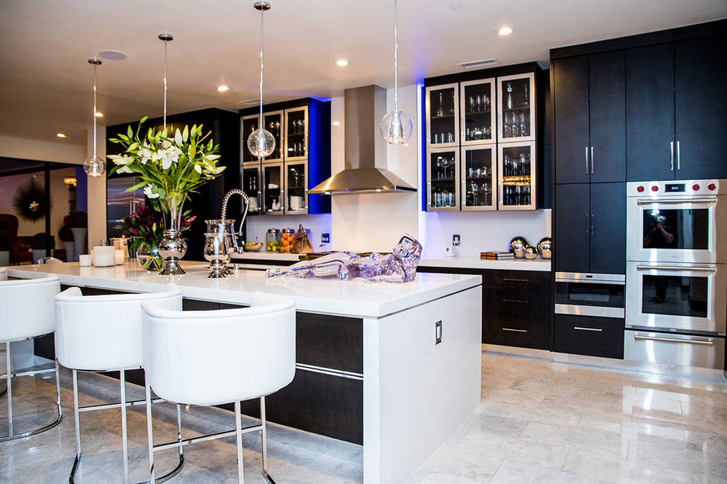 The kitchen has art, too. (Tonya Harvey Real Estate Millions)