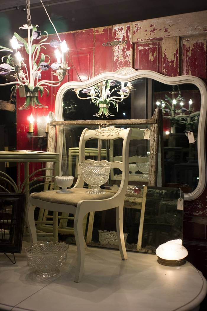 """""""Throne"""" from Jason Tannen's photography exhibit """"Remnant."""""""
