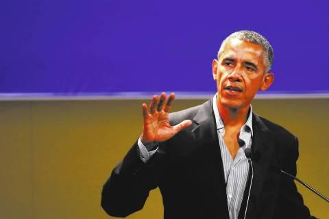 """United States former President Barack Obama talks during the """"Seeds&Chips - Global Foo ..."""