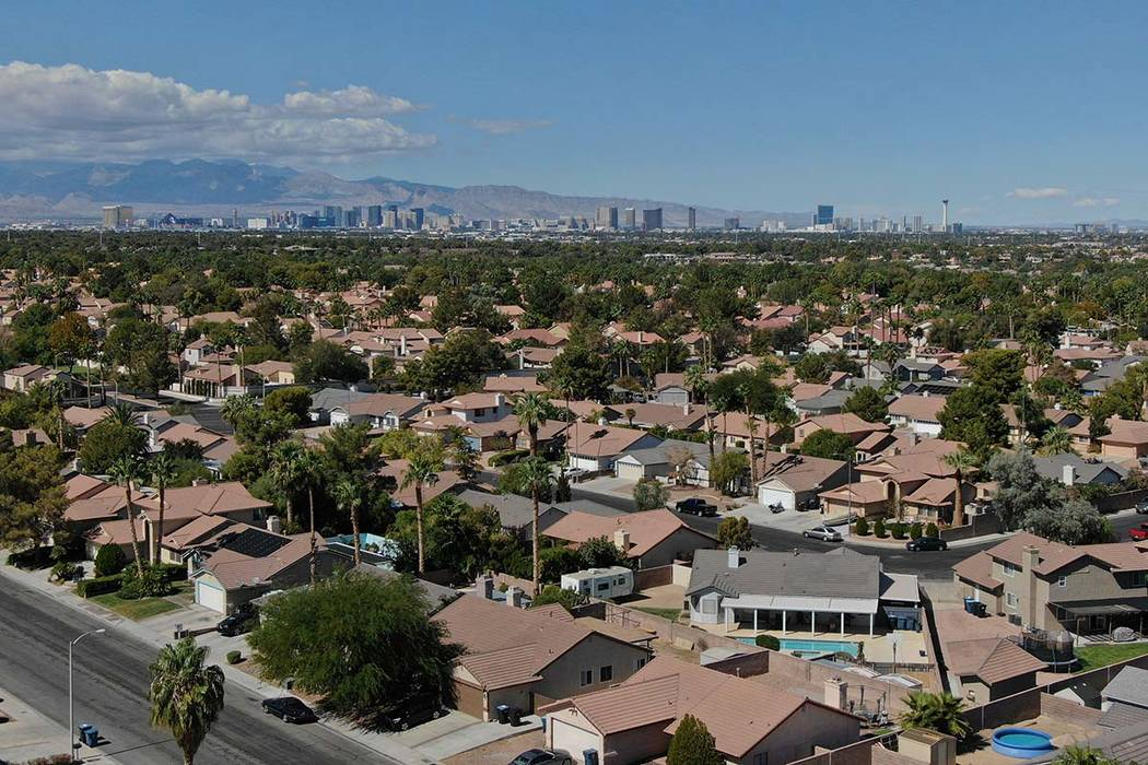 An aerial view of houses in the Las Vegas Valley. (Michael Quine/Las Vegas Review-Journal) @Veg ...