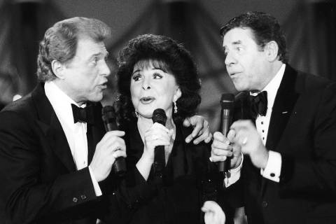 This photo provided by the Las Vegas News Bureau shows Steve Lawrence, left, Edyie Gorme, cente ...