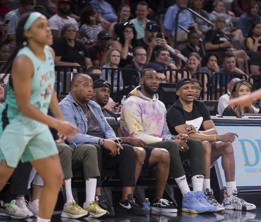 Oklahoma City Thunder point guard Russell Westbrook, right, Los Angeles Lakers power forward Le ...