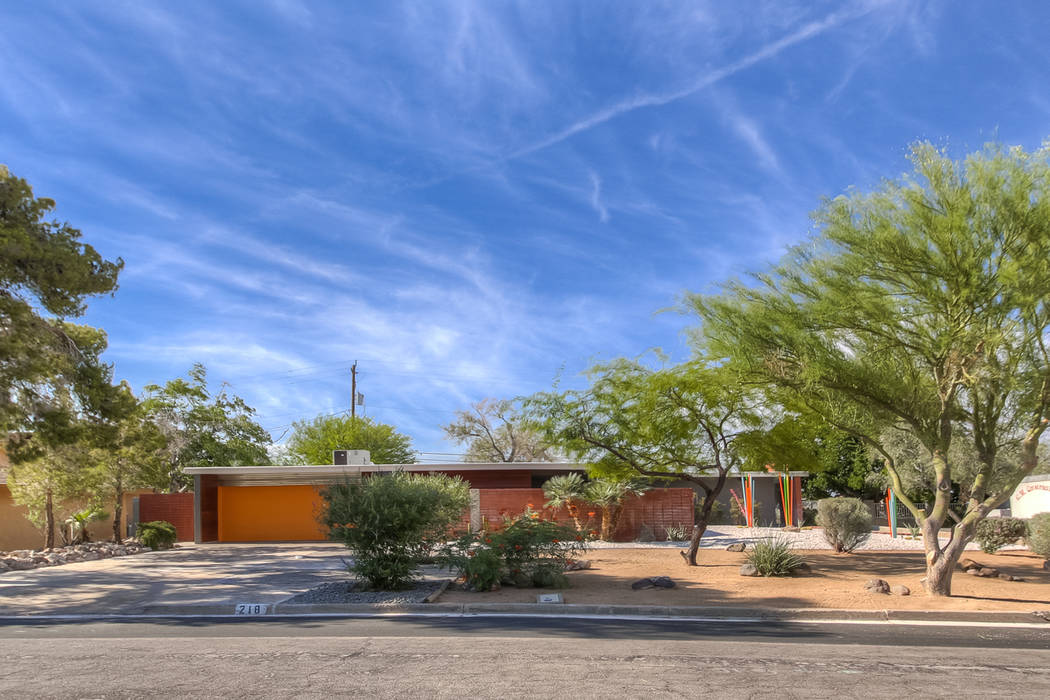 This Henderson midcentury home was remodeled and sold. (Realty One Group)