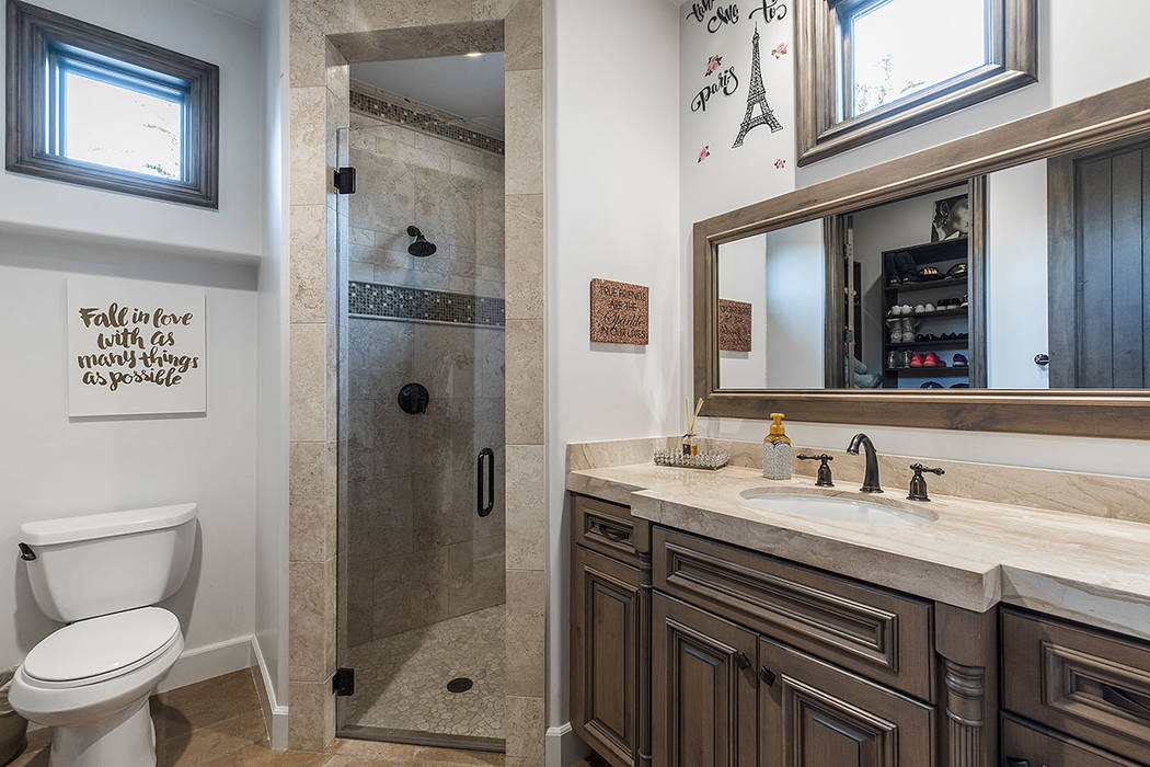 A secondary bath. (Ivan Sher Group)