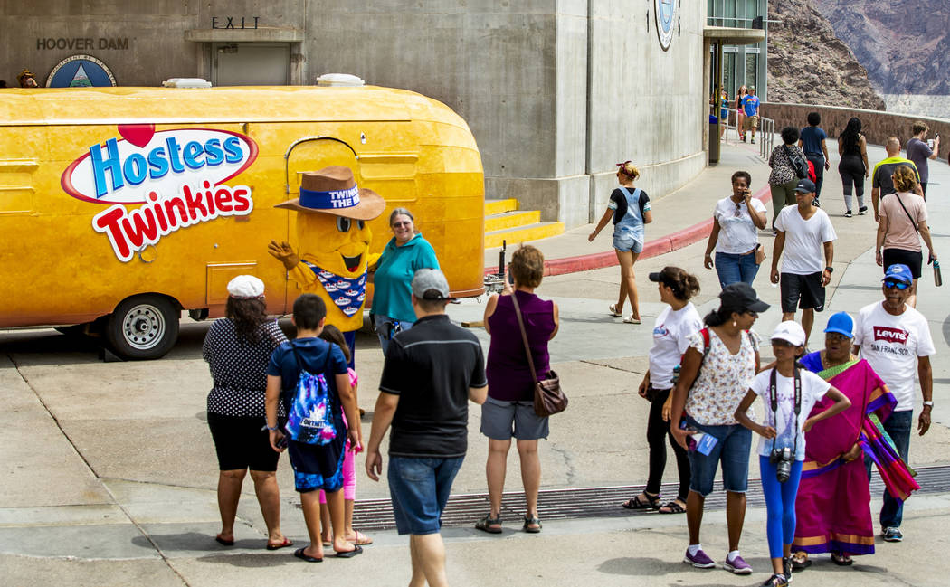 Twinkiemobile brings 100th birthday party to Hoover Dam