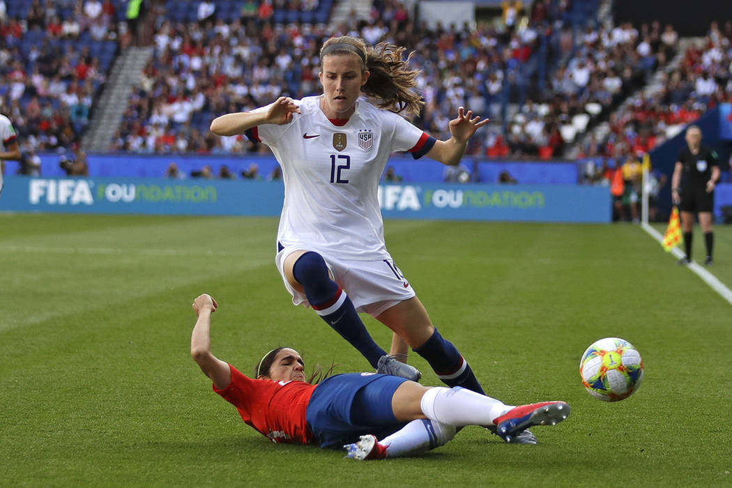 United States' Tierna Davidson, top, vies for the ball with Chile's Elisa Duran during the Wome ...
