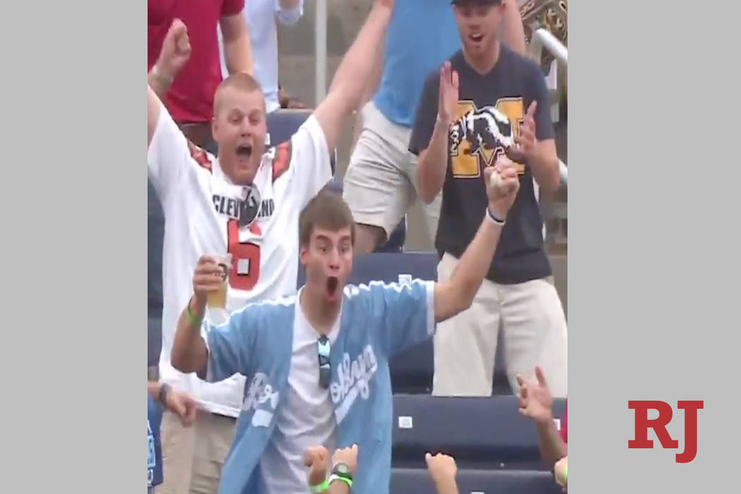 Austin Buysse reacts after catching a homerun ball with one hand. (Screen capture ESPN/Twitter)