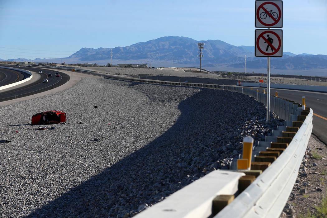 Man dies in 215 rollover crash | Las Vegas Review-Journal