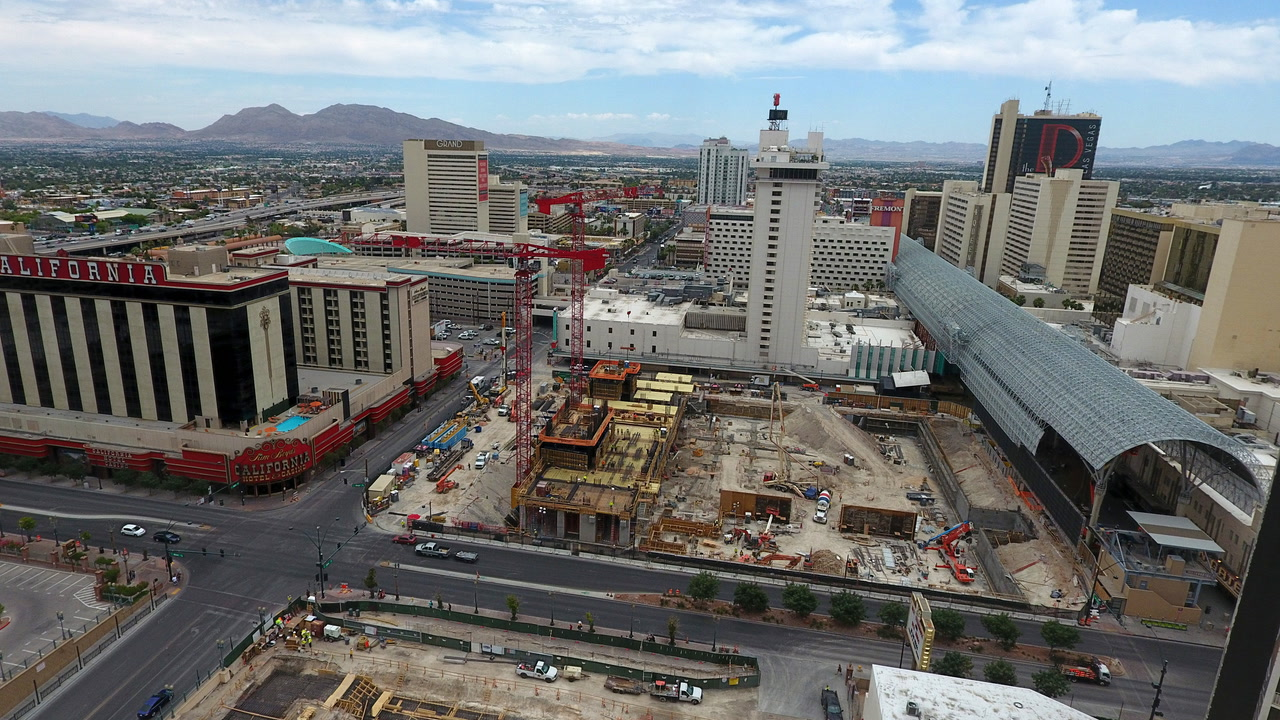Downtown Las Vegas hotel project going vertical — VIDEO
