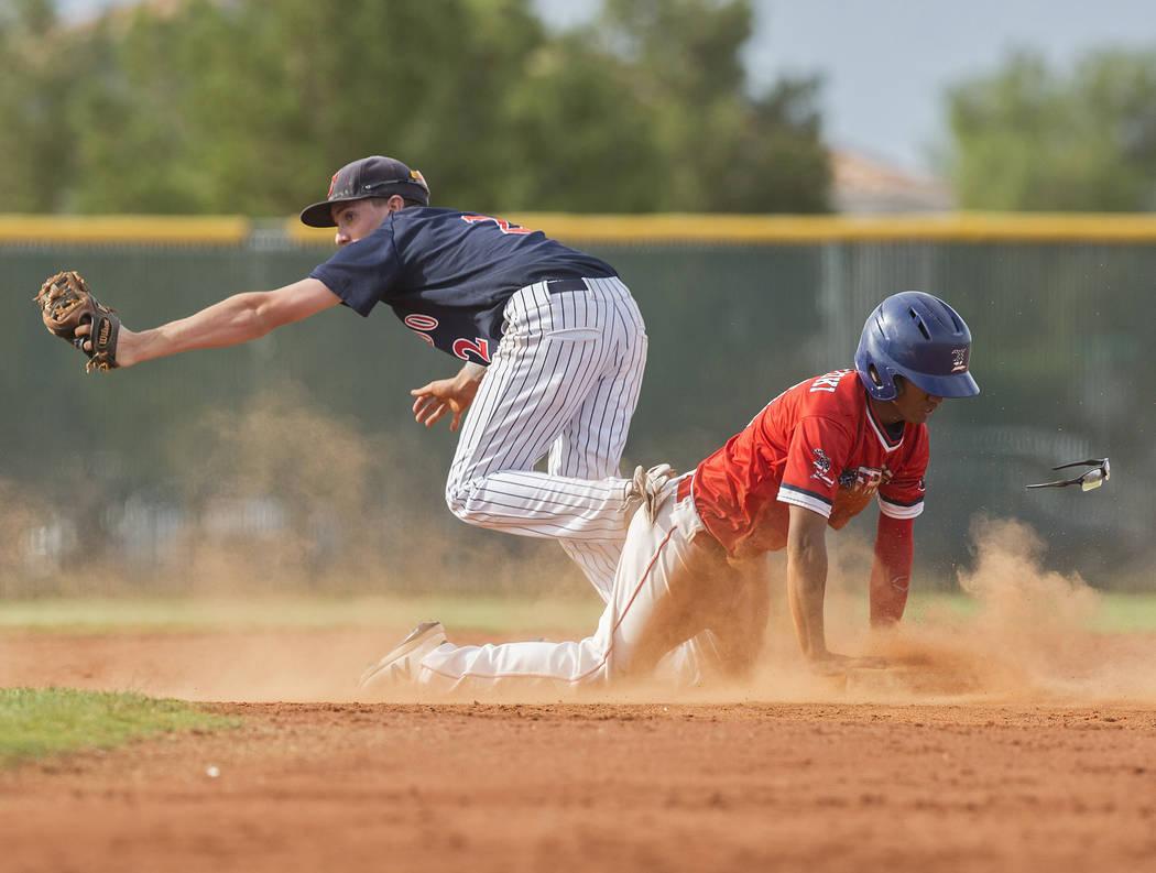Coronado second baseman Taylor Darden (2) beats Liberty's Kaeden Camat-Toki (14) to th ...