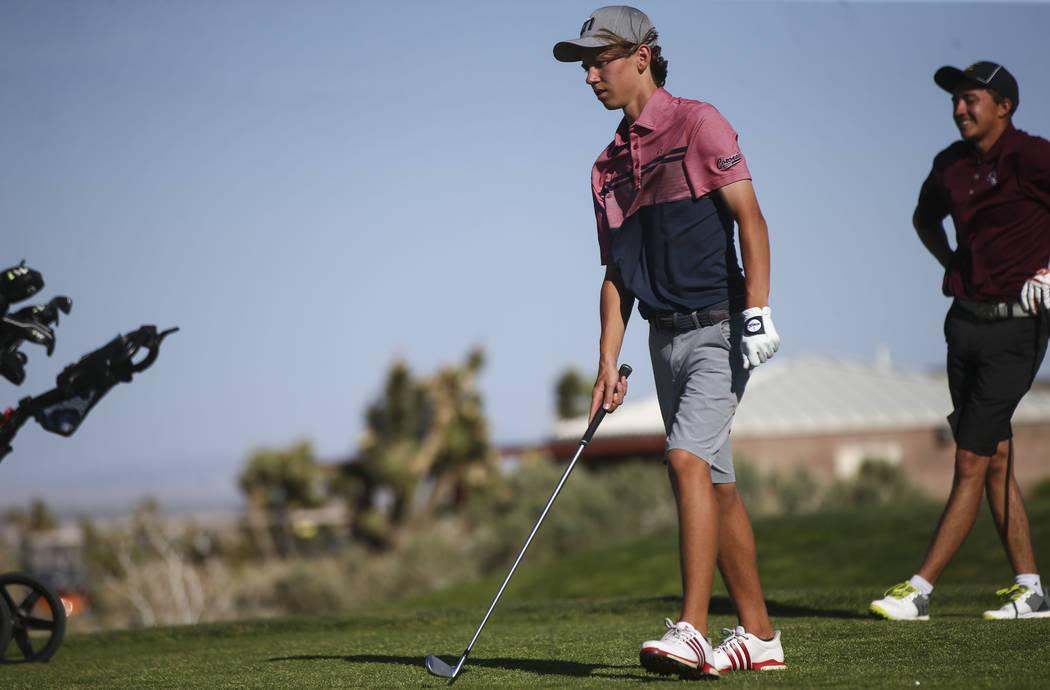 Coronado sophomore Brett Sodetz prepares for his tee shot during the Class 4A Sunrise Region ...