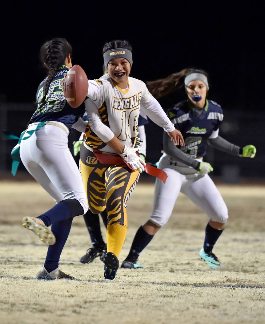 Bonanza's Cindylou Rasiang (18) carries the ball for a touchdown against Green Valley ...