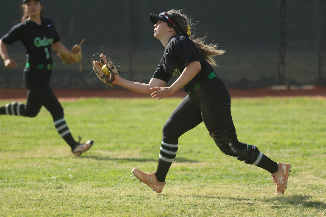 Green Valley's Cinthia Garcia (13) makes a catch in the outfield for an out against Fo ...