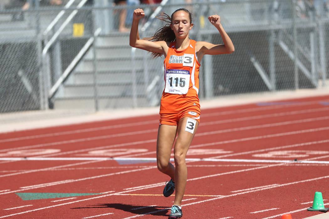 Bishop Gorman's Emilia Puskas (115) runs for first place in the Desert Regions girls 3 ...