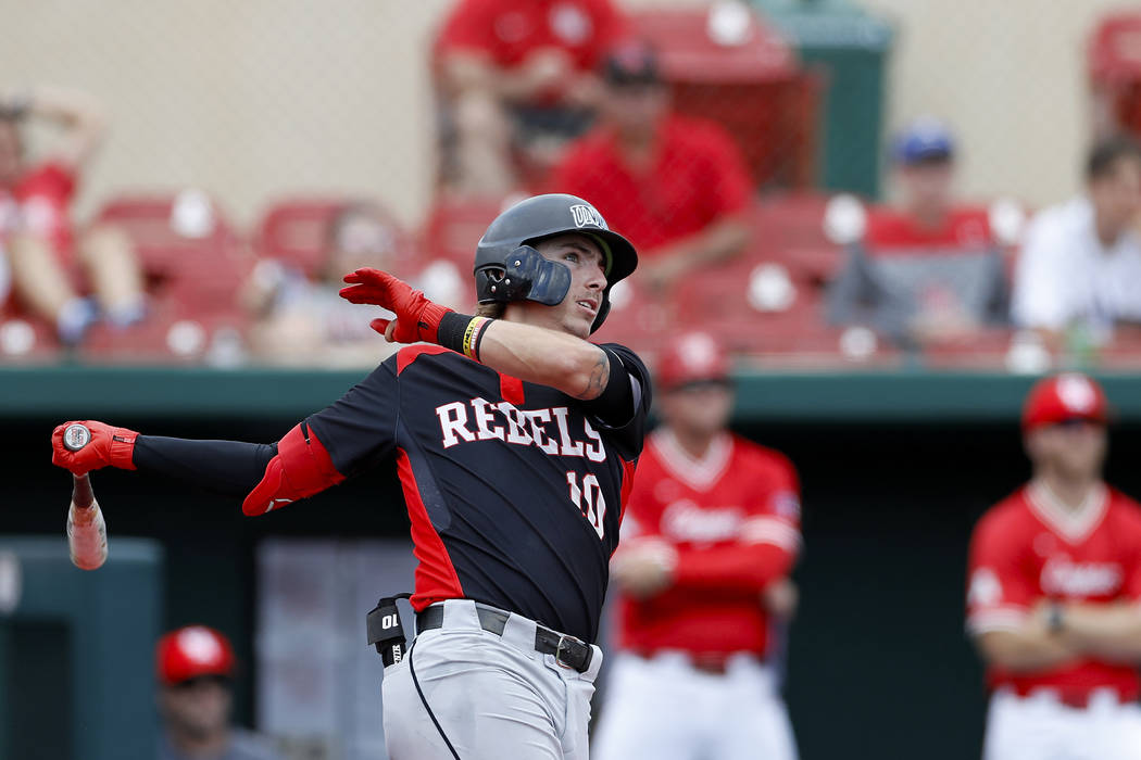UNLV's Bryson Stott (10) bats during an UNLV at University of Houston NCAA college bas ...