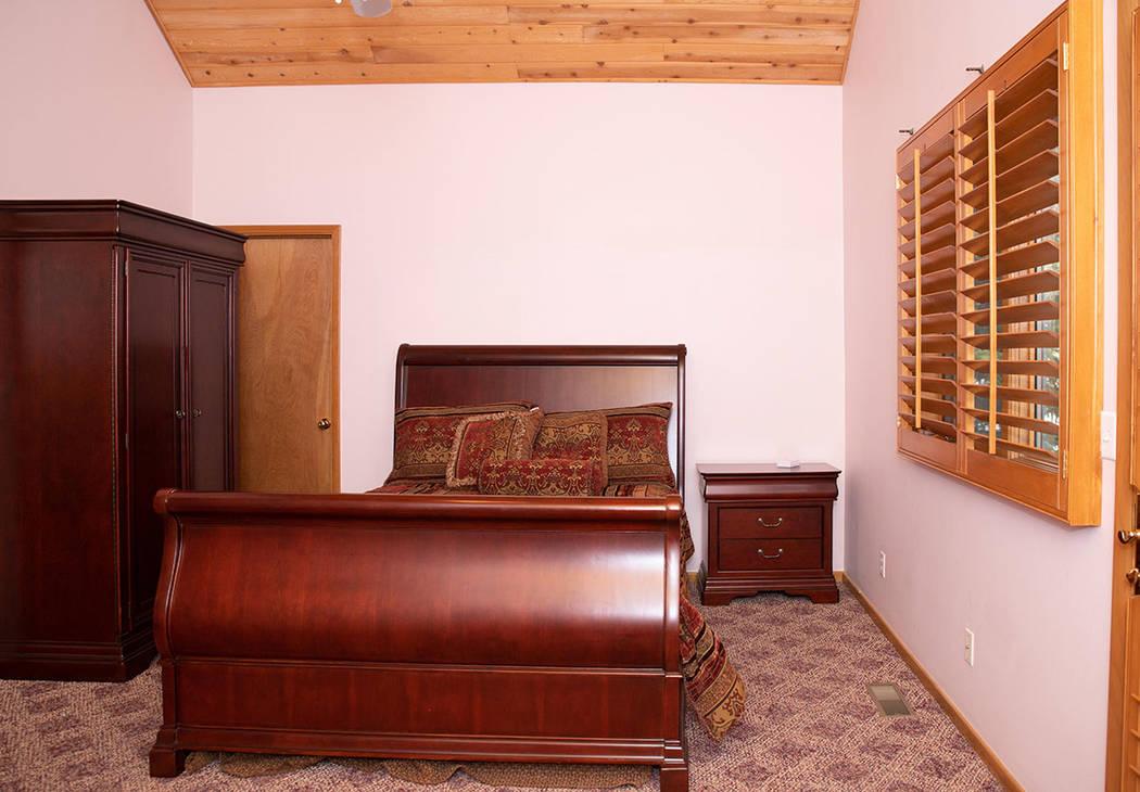Mt Charleston Home guest bedroom