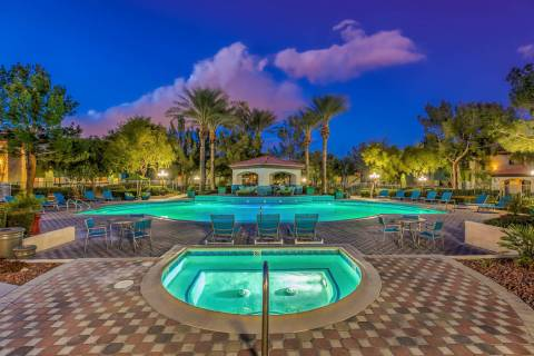 Chicago real estate firm Waterton said it bought the 400-unit Mirasol apartment complex in Las ...