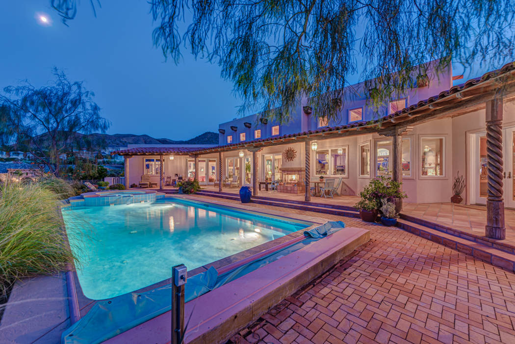 The pool at night. (Desert Sun Realty)