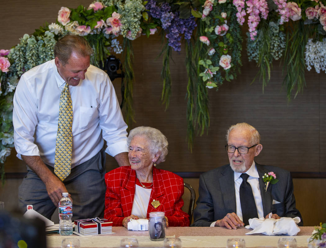 North Las Vegas Mayor John Lee, left, congratulates Donna and Gail Andress during their renewal ...