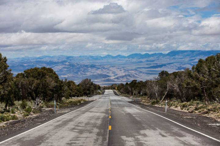 The view leading to Mount Charleston from the entrance of Lee Canyon in Las Vegas. (Rachel Asto ...