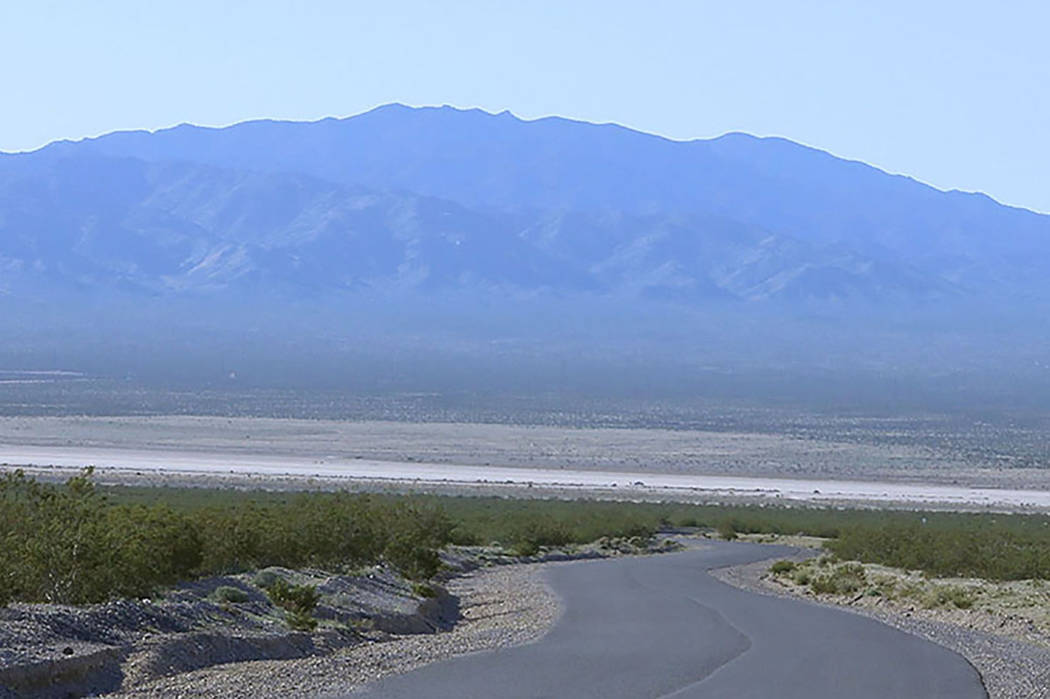 A dry lake bed outside of Jean (Las Vegas Review-Journal)