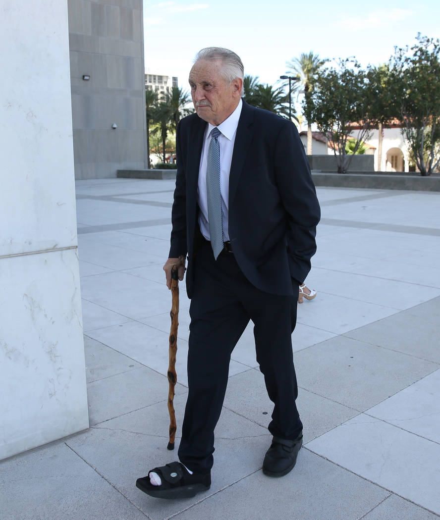 Steven Holper, a doctor who pleaded guilty to distributing fentanyl, arrives at the Lloyd Georg ...