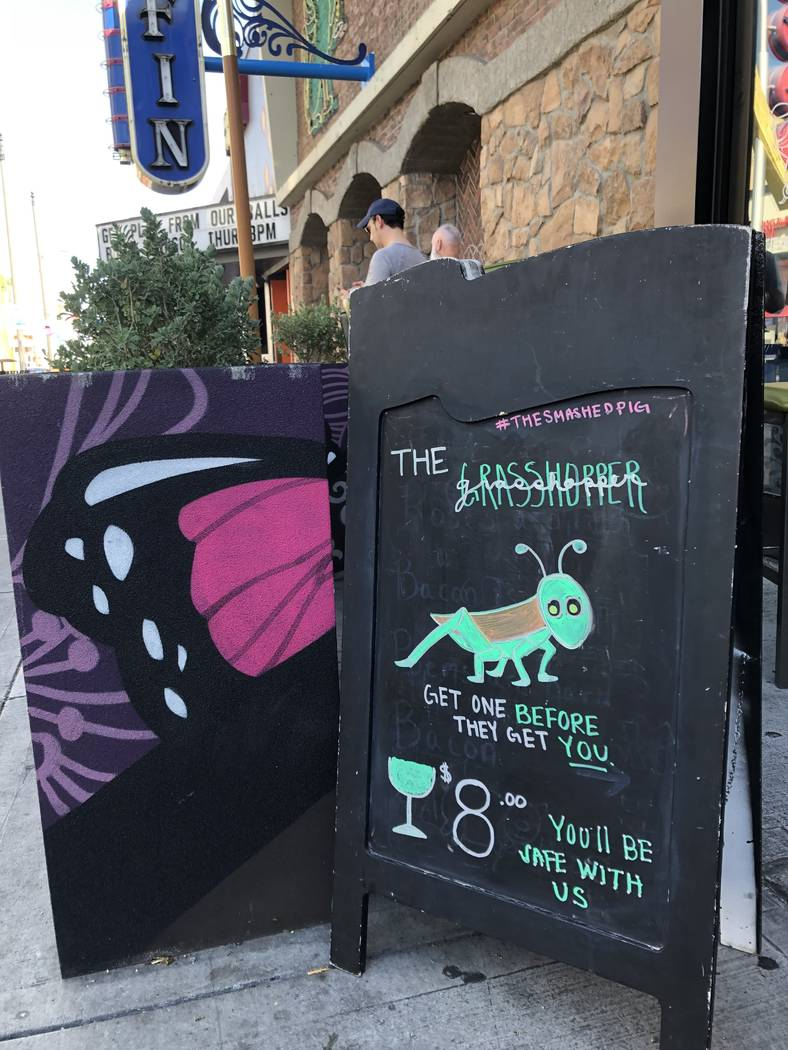 The Smashed Pig on Fremont Street (Al Mancini Las Vegas Review-Journal)