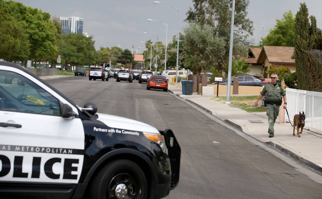 Las Vegas police search for a suspect in stabbing at West Flamingo Park near South Jones Boulev ...