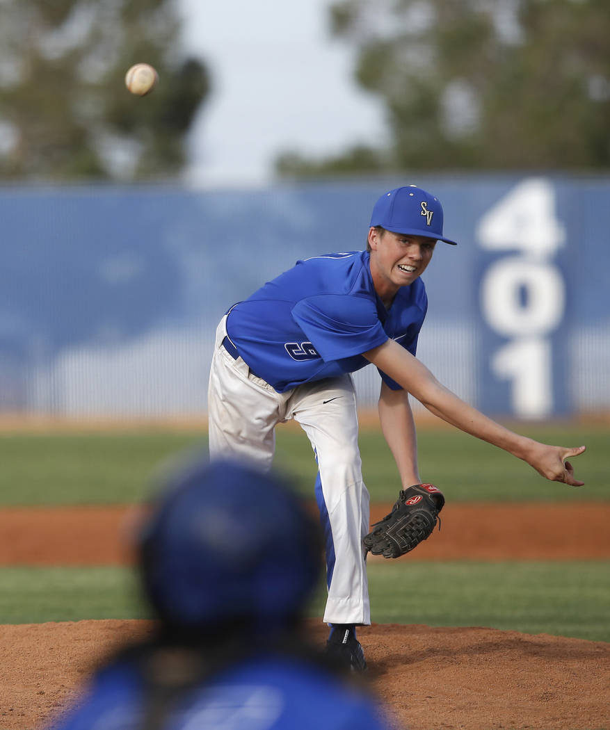 Sierra Vista's Andrew Carlson (9) pitches during the seventh inning of a high school b ...