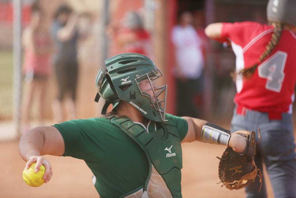 Palo Verde's Grace Chavez (25) throws the ball during a game against Arbor View at Arb ...