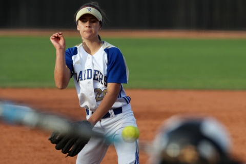 Reed pitcher Julia Jensen throws to Palo Verde during their Division I state tournament game ...