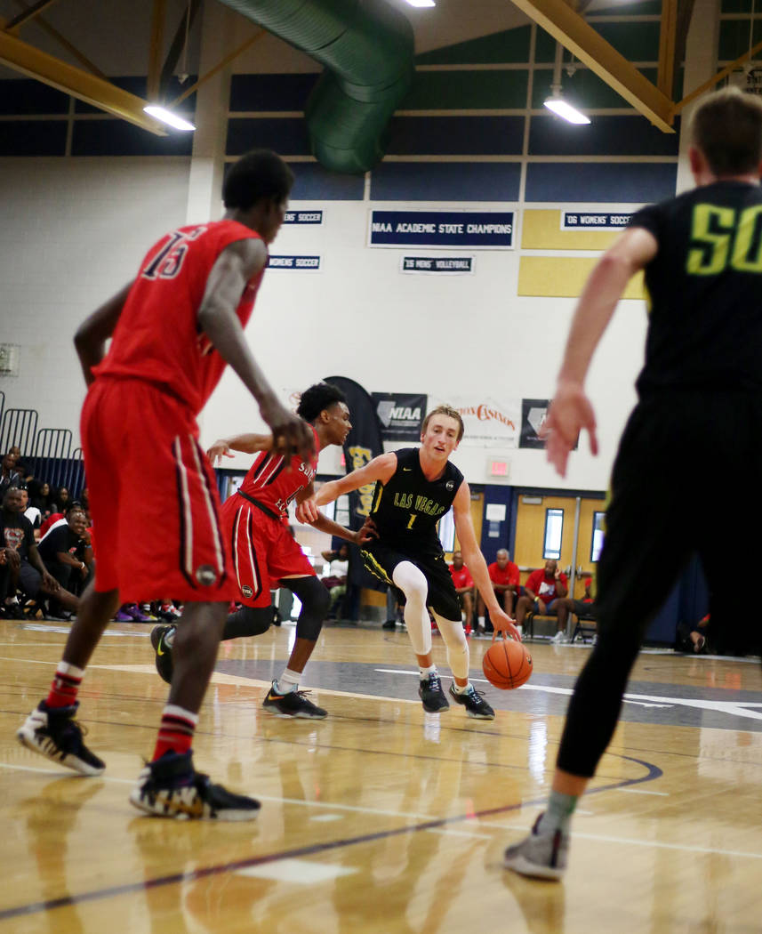 Las Vegas Prospects' Moses Wood ,1, dribbles the ball against California Supreme durin ...