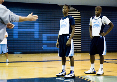MARTIN S. FUENTES/LAS VEGAS REVIEW-JOURNAL Centennial High School Bulldog basketball players ...