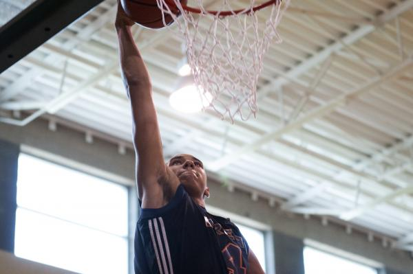 UNLV recruiting target Chase Jeter, a junior-to-be at Bishop Gorman High School, is shown pl ...