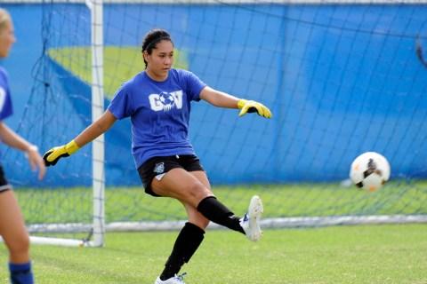 Green Valley girls soccer goalkeeper Kiyana Lopez punts the ball during practice. (Josh Holm ...