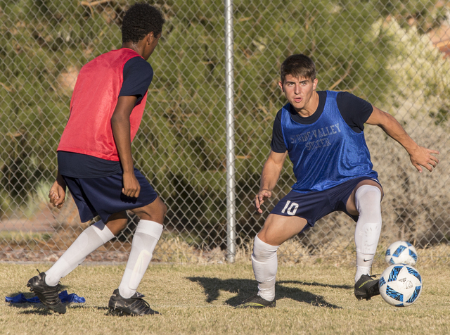 Spring Valley soccer player David Van Hoose (10) makes a run during practice on Wednesday, N ...
