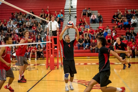 Luis Wong (1) of Las Vegas sets up a shot against Arbor View at Arbor View High School in La ...