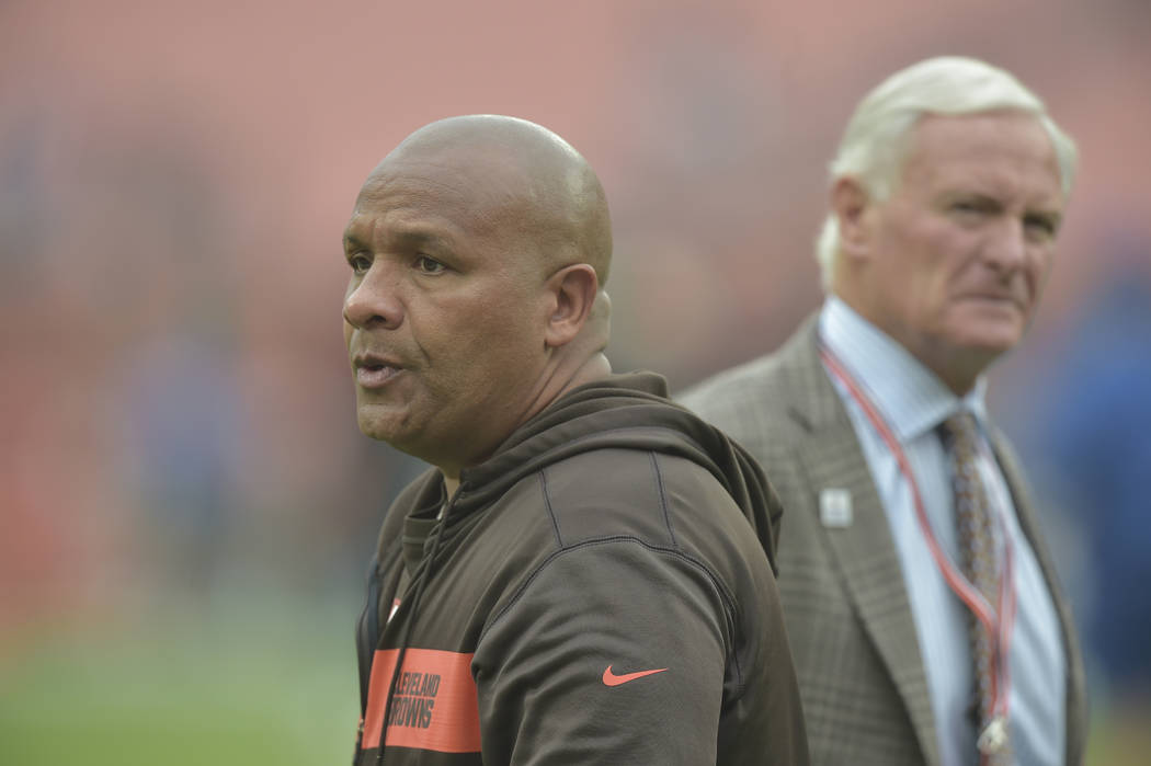Cleveland Browns head coach Hue Jackson, left, stands beside Browns owner Jimmy Haslam before a ...