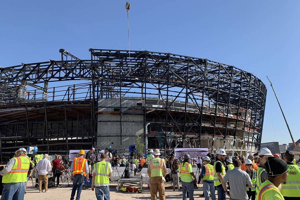 Topping out ceremony at Las Vegas Stadium, Monday, Aug. 5, 2019. (Mick Akers/Las Vegas Review-J ...