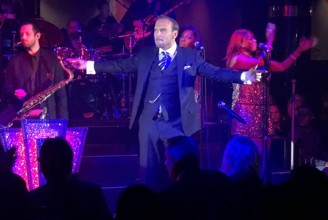 Matt Goss performs at 1 Oak Nightclub at the Mirage in Las Vegas on Saturday, Nov. 10, 2018. (J ...