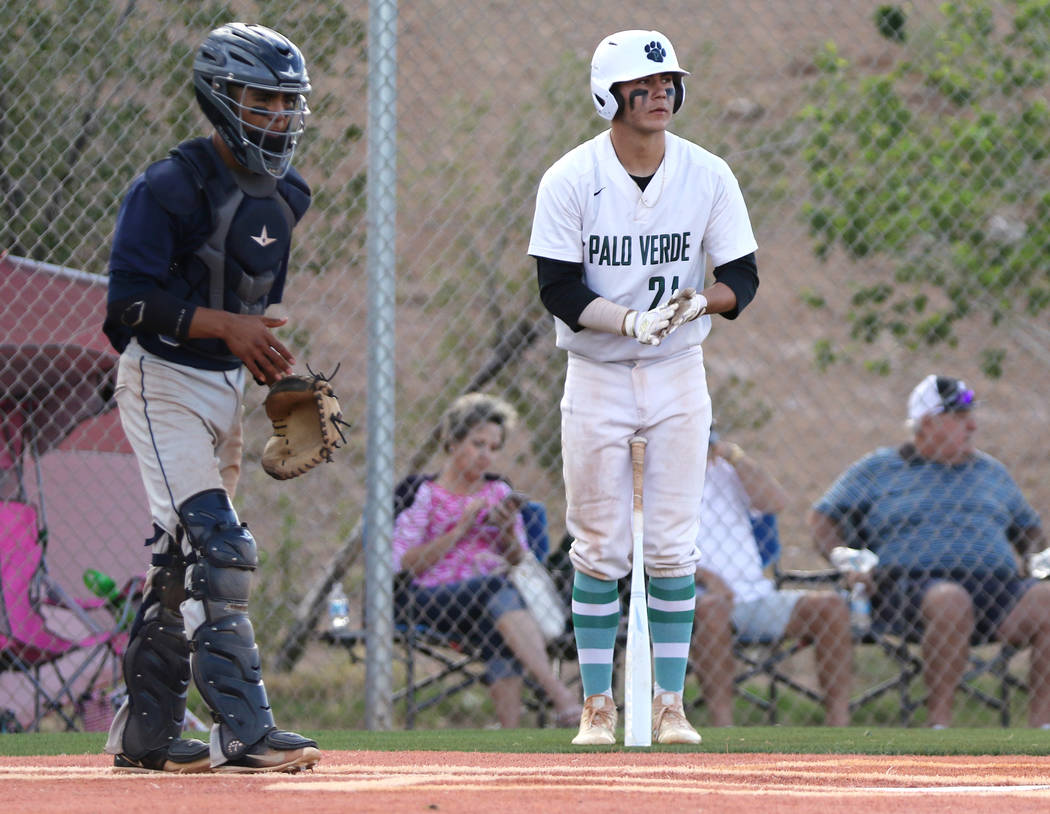Palo Verde High School's Josiah Cromwick, right, who played on the Mountain Ridge team during t ...