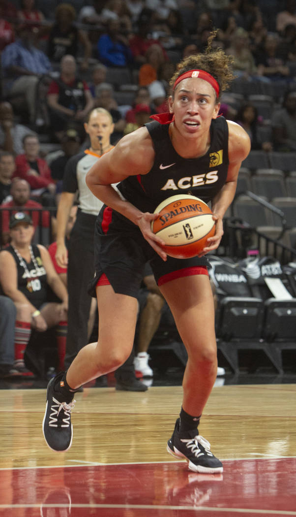 Las Vegas Aces forward Dearica Hamby (5) set up for a two pointer against Connecticut Sun playe ...